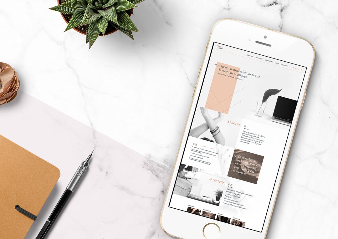 Agence Takestwo : site web de l'agence Publiquement Vôtre, en version responsive mobile et tablette